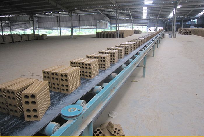 CONVEYOR FOR BRICK