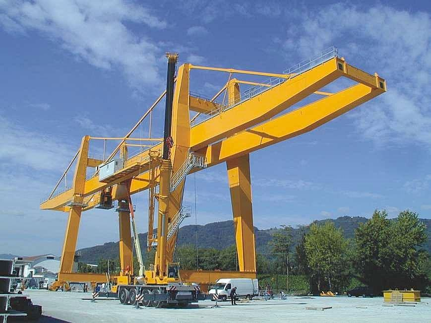GANTRY CRANE WITH CONXON